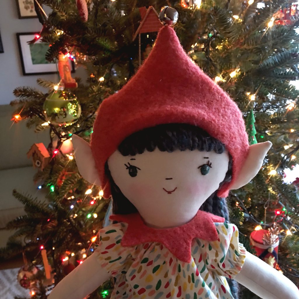 free sewing pattern for an elf hat and collar for a wee wonderfuls make-along doll