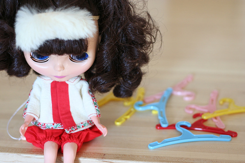 blythe doll in ginny clothes
