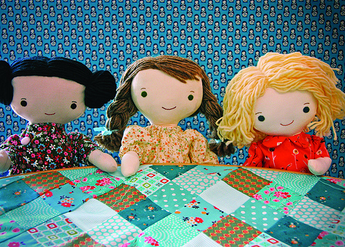 Kit, Chloe and Louise at the quilting bee