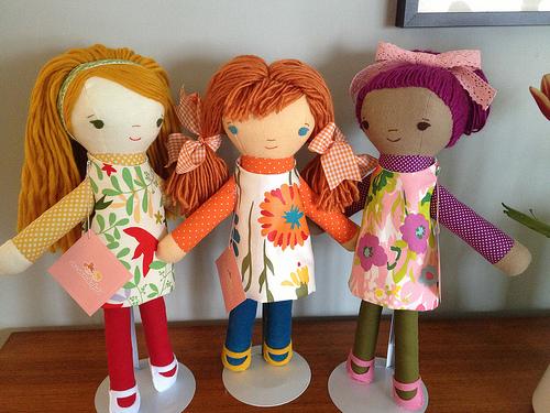 three elsa dolls